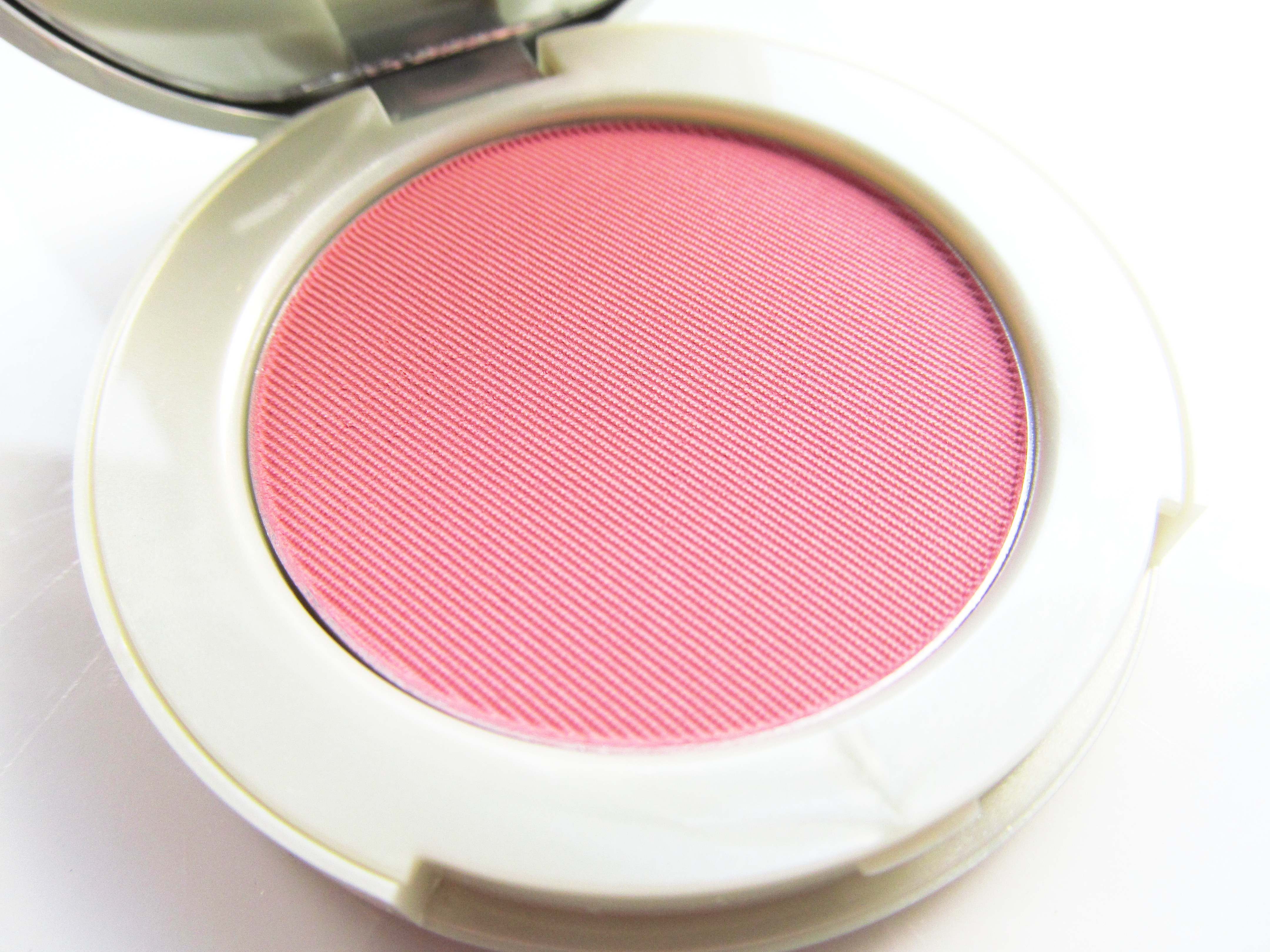 i feel pretty in pink with origins new pinch your cheeks powder